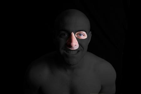 manos_ojo y nariz